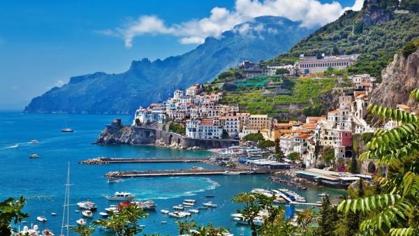 Bows & Sequins Italy Itinerary + Packing Guide! Amalfi Coast (Positano, Capri, Maiori), Florence, Tuscany, and Rome