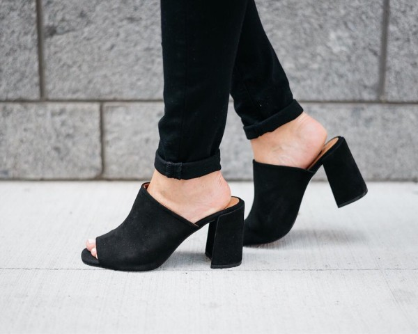 Sliding right into the weekend TGIF PassTheRos httpliketkit2p4ov liketkit ltkshoecrushhellip