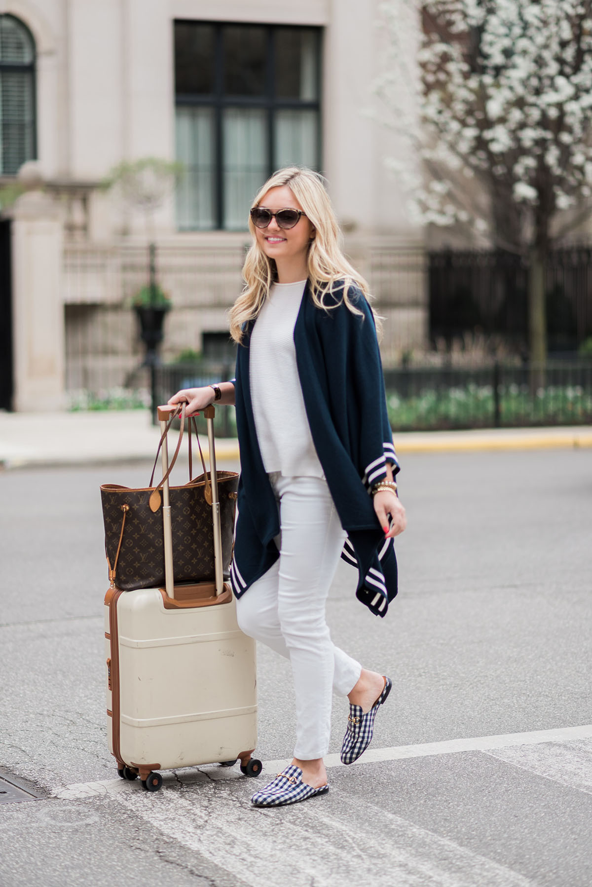 Best Outfit: A Fashionable Travel Outfit That's Still Comfortable