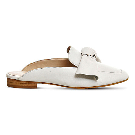 Must-Have Fall Trend: Slip-On Loafers // Cream Leather Bow Mule