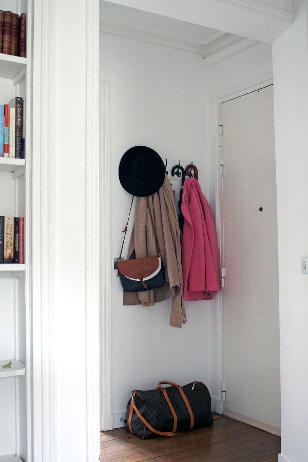 Bows & Sequins shares her guide to packing for travel abroad!
