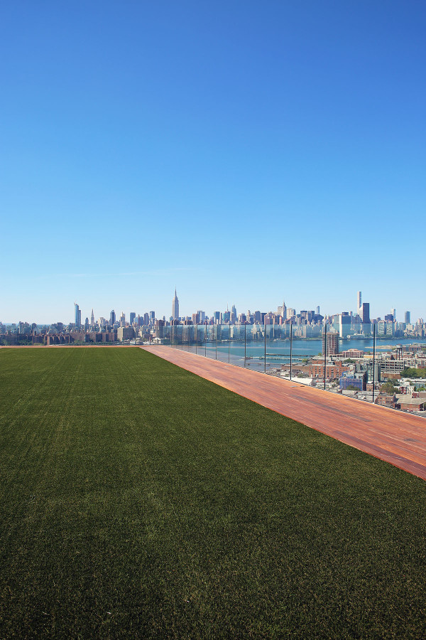 The stunning rooftop view of the Manhattan skyline from the new William Vale Hotel in Williamsburg Brooklyn!