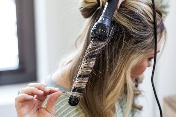 How to Curl Your Hair Using a Curling Wand + The Top Products to Make Your Curls Last All Day Long