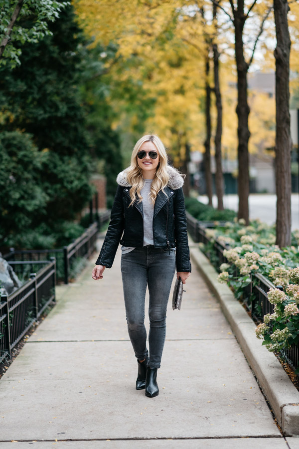 Bows & Sequins styling a pair of dark gray skinny jeans for fall and winter in Chicago.