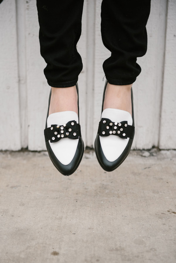 black-and-white-kate-spade-bow-shoes