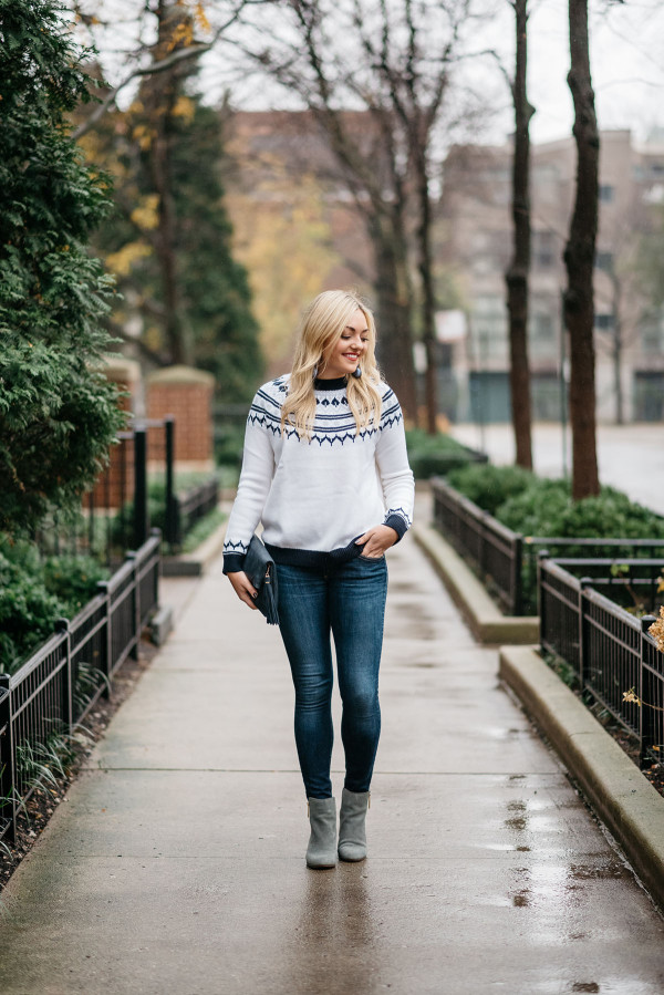 Bows & Sequins wearing a navy and white fair isle sweater in the Gold Coast in Chicago.