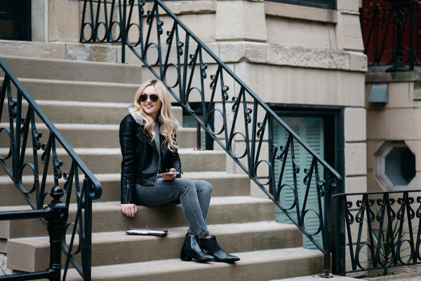 Bows & Sequins styling a black and grey outfit for the fall and winter in Chicago.