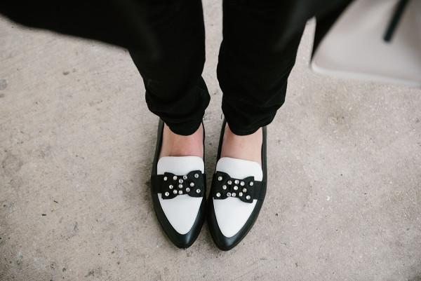kate-spade-black-and-white-rhinestone-bow-flats