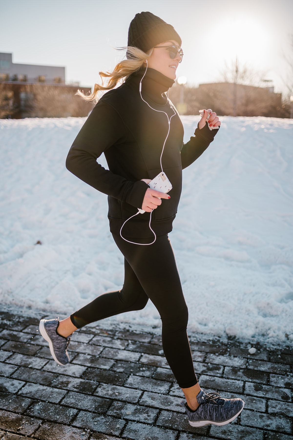 Cold-Weather Workout Clothing to Wear This Winter — bows ...