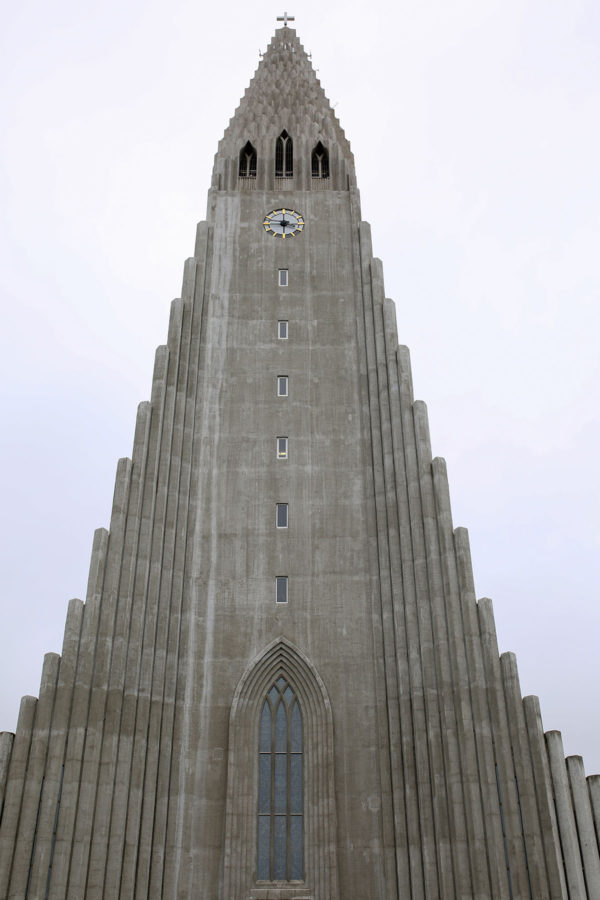 Bows & Sequins Iceland Travel Guide: Hallgrimskirkja