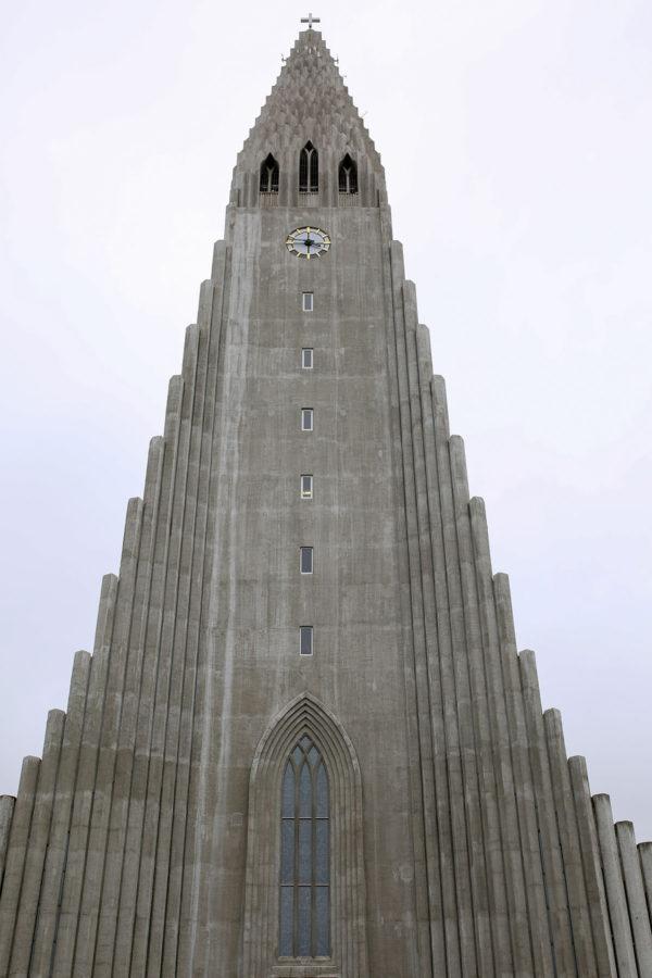 Bows & Sequins Iceland Travel Guide: Hallgrimskirkja