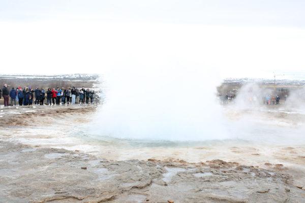 Bows & Sequins Iceland Travel Guide: Strokkur Errupting