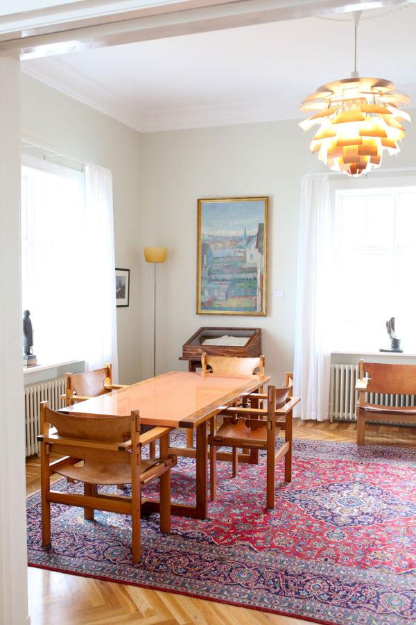 Bows & Sequins Iceland Travel Guide: Inside Hofdi House