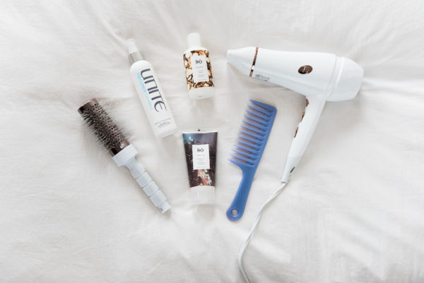 Bows & Sequins shares her must-have products for an at-home blowout: T3 Round Brush, Unite 7 Seconds Leave-In Conditioner, R + Co Jackpot Styling Creme, R + Co Park Avenue Blowout Balm, & a powerful T3 blow dryer!