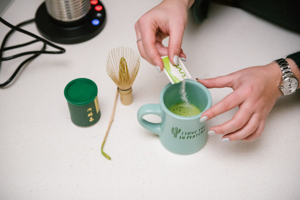 Bows & Sequins shares her recipe for making matcha lattes at home.