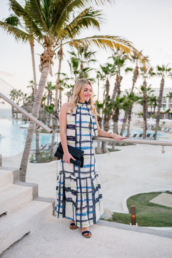 Lifestyle blogger Bows & Sequins wearing a patterned Vineyard Vines maxi dress.