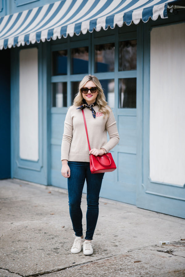 Fashion blogger Bows & Sequins styling an outfit with french girl flair.