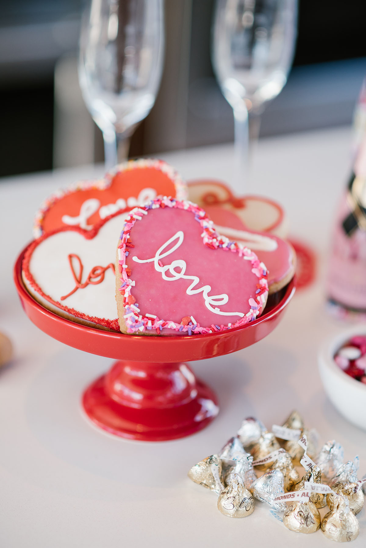 heart shaped valentines day cookies — bows & sequins
