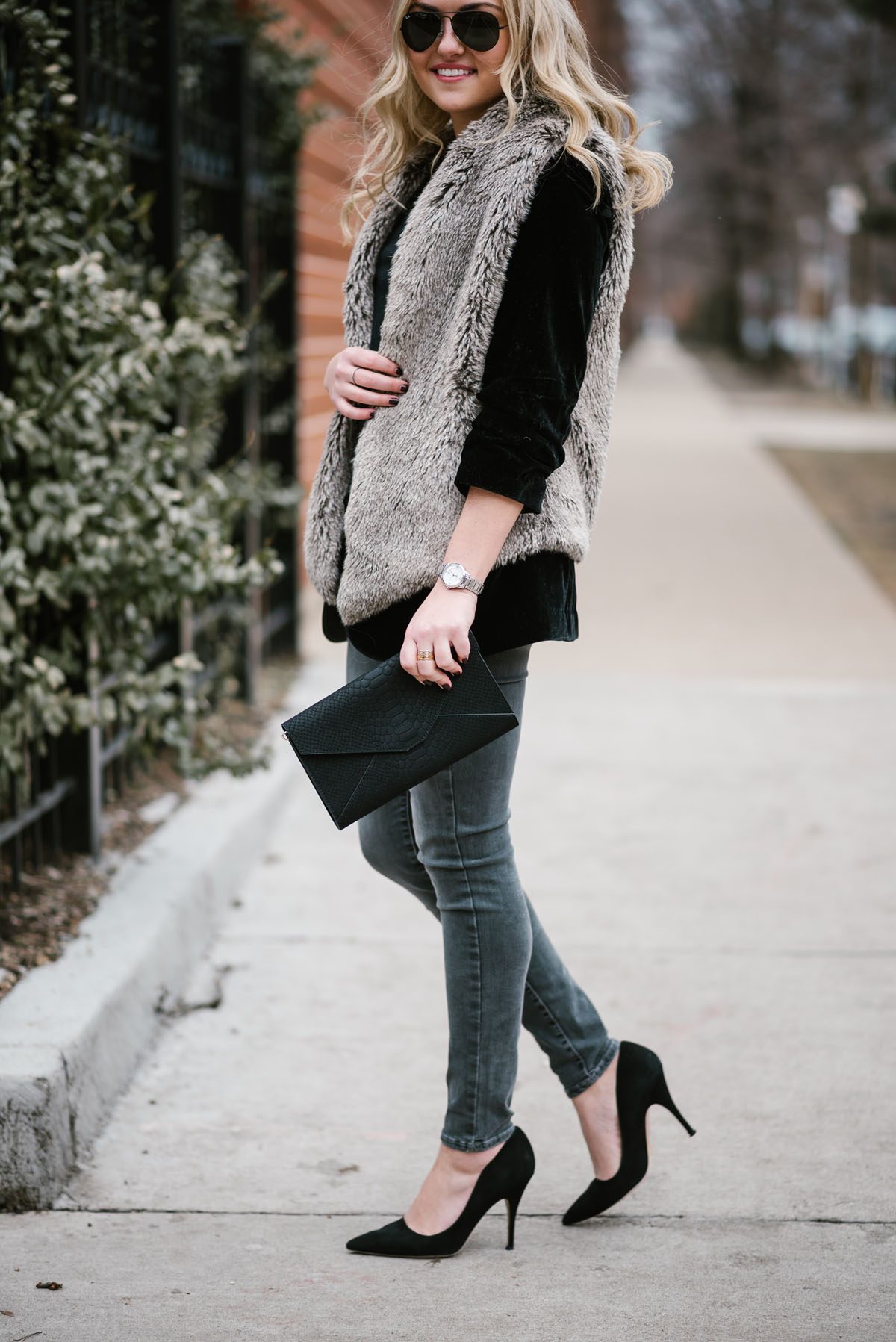 How to black wear faux fur vest recommendations to wear for autumn in 2019