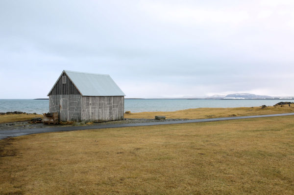 Bows & Sequins Iceland Travel Guide