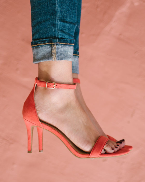 Bows & Sequins wore coral ankle strap sandals and cuffed jeans.