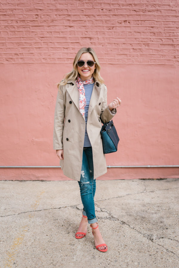 Bows & Sequins sharing a spring outfit: casual trench coat, skinny jeans, and coral strap heels.