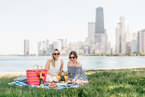 Chicago bloggers Bows & Sequins and Hallie Wilson of Among Other Things hosting a summer picnic with Veuve Clicquot.
