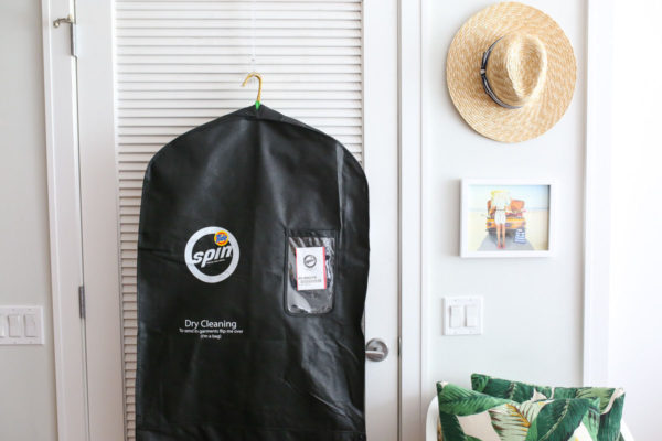 Lifestyle blogger Bows & Sequins tries out Tide Spin on-demand laundry service in Chicago.