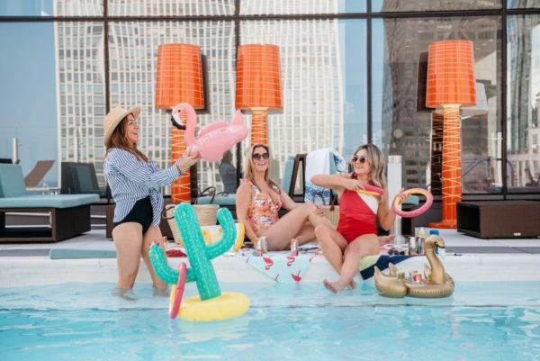 Bows & Sequins throws an end-of-summer pool party with Seven Daughters wine.