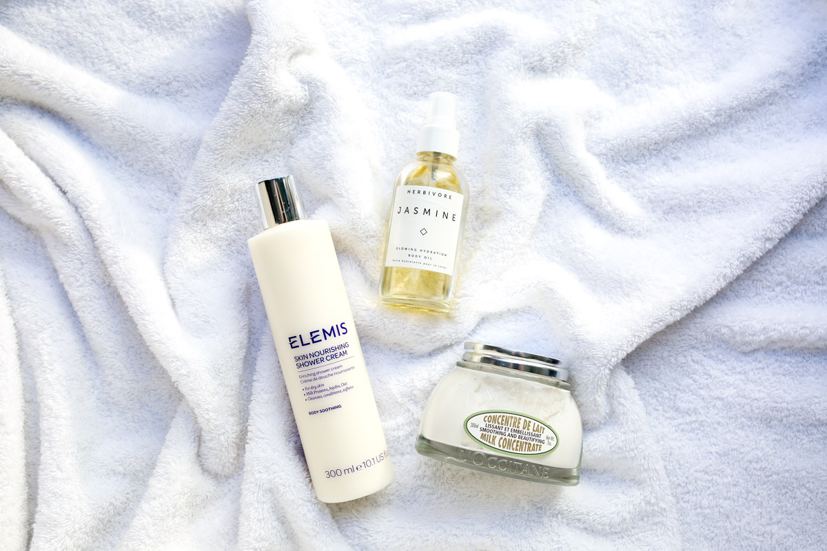 Beauty blogger Bows & Sequins shares her favorite body products for fall: Elemis Shower Lotion, Herbivore Botanicals Body Oil, L'Occitane Almond Body Butter