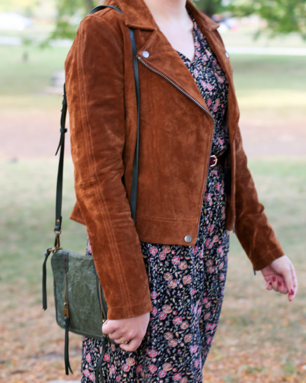 Fashion and style blogger Bows & Sequins wearing a Blank NYC cognac suede jacket and Joelle Hawkens green leather shoulder bag.