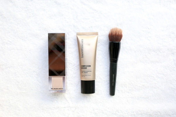 Beauty blogger Bows & Sequins shares her two favorite foundation products to get a dewy complexion in the fall and winter: Burberry Fresh Glow and Bare Minerals Complexion Rescue