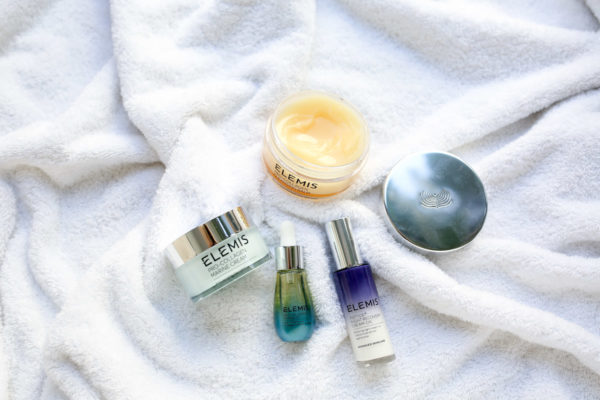 Beauty blogger Bows & Sequins shares some of her favorite moisturizing products for the fall and winter: Elemis Cleansing Balm, Elemis Collagen Cream, Elemis Collagen Marine Oil, Elemis Night Recovery Cream-Oil