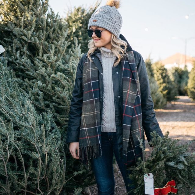 Bundled up in barbour on the blog today! Sharing ahellip
