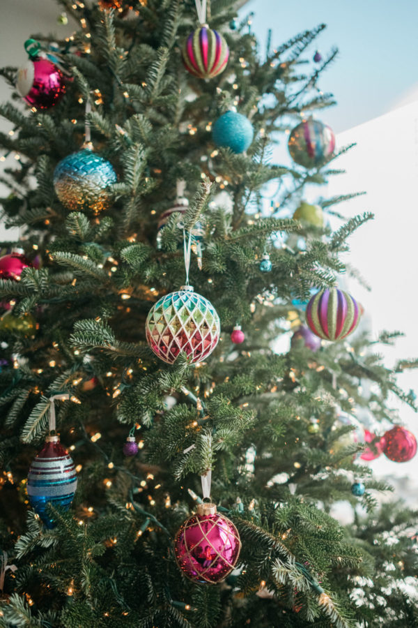 Chicago lifestyle blogger Jessica Sturdy shares her colorful Christmas decorations.