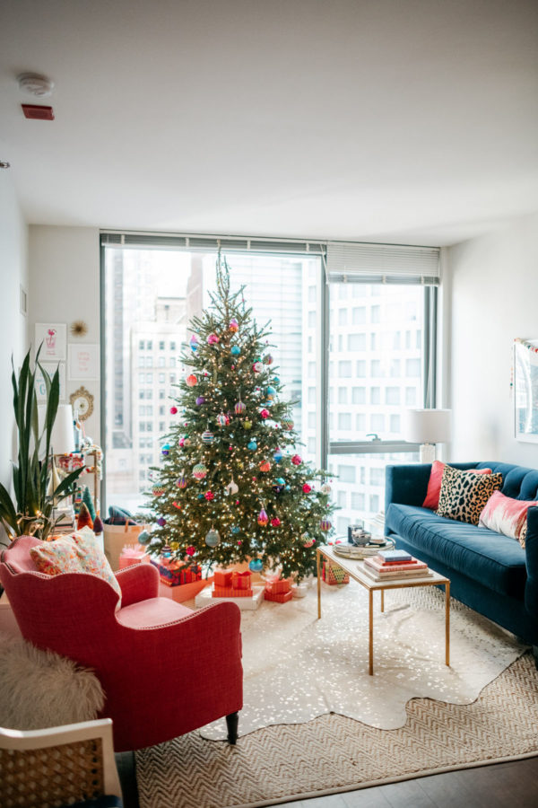 Jessica Sturdy decorating her apartment in Chicago for Christmas.