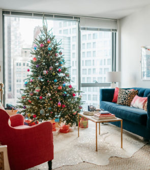 Chicago blogger Jessica Sturdy shares her colorful Christmas decor and decorating tips.