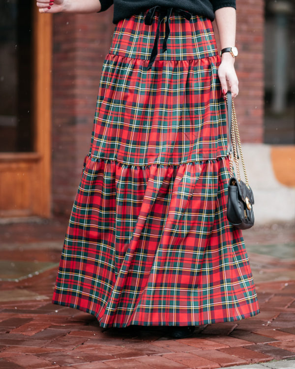 How to wear a plaid skirt holiday outfit with a Gucci bag