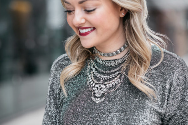 Jessica Sturdy styling a Baublebar statement necklace similar to Dylanlex.