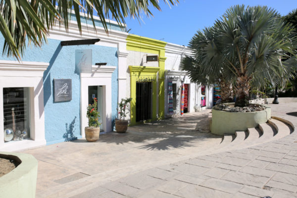 Jessica Sturdy shares photos from exploring San Jose del Cabo in Mexico. Colorful storefronts