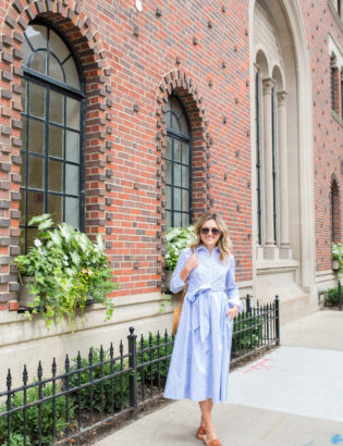 Jessica Sturdy wearing a blue and white midi dress from the Nordstrom Anniversary Sale.