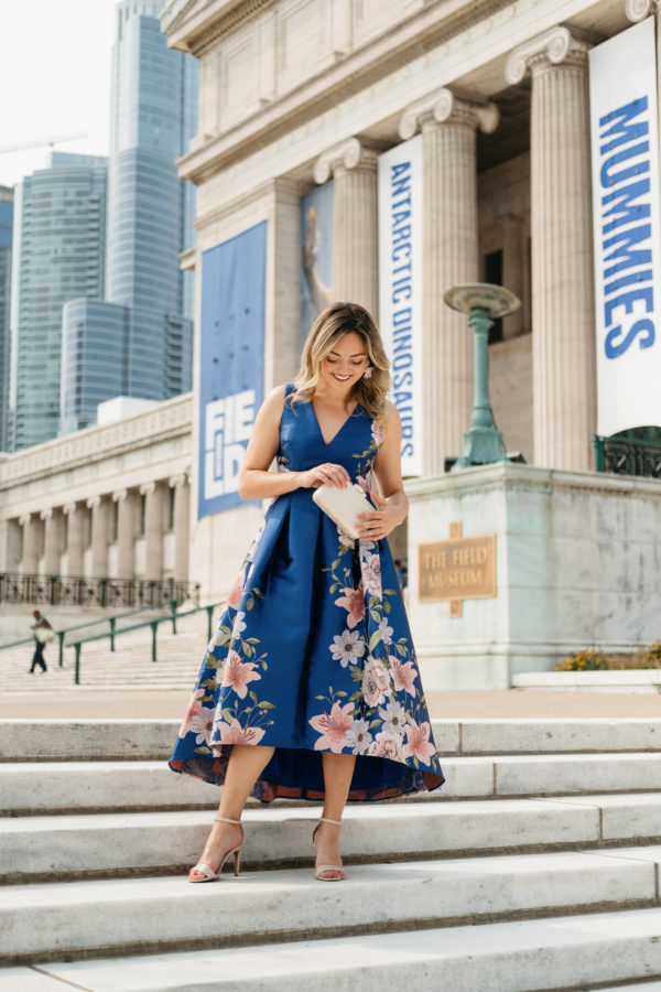 Chicago travel blogger Jessica Sturdy in front of the Field Museum in Chicago.