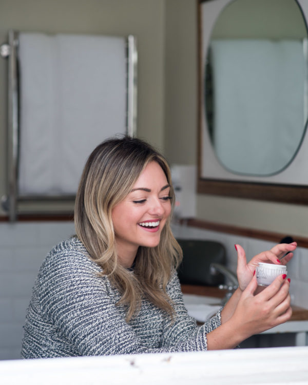 Chicago beauty blogger Jessica Sturdy of Bows & Sequins reviewing Olay Luminous Whips with SPF 25.