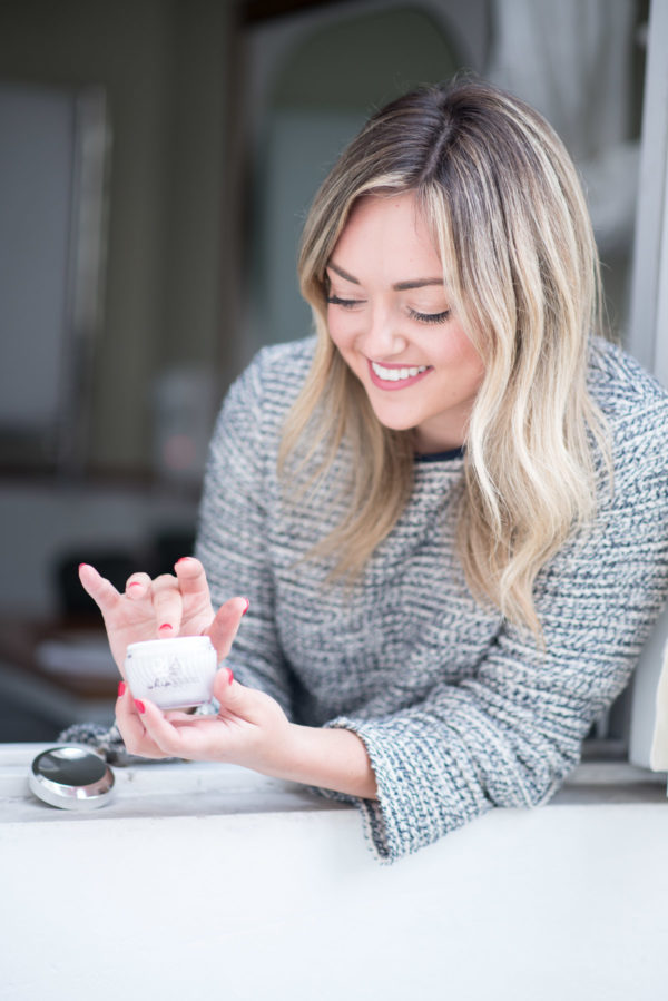 Women's lifestyle Instagrammer Jessica Sturdy of Bows & Sequins reviewing the best Olay Whips moisturizer.