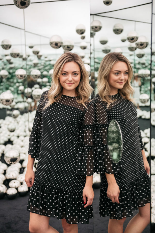 Chicago beauty blogger Jessica Sturdy of Bows & Sequins at the Infinity Mirror room.