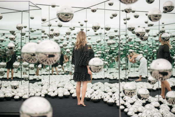 Yayoi Kusama S Infinity Mirrors Room In Chicago Bows