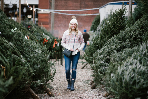 Style blog Bows & Sequins wearing a fairisle sweater at a tree farm in Chicago.