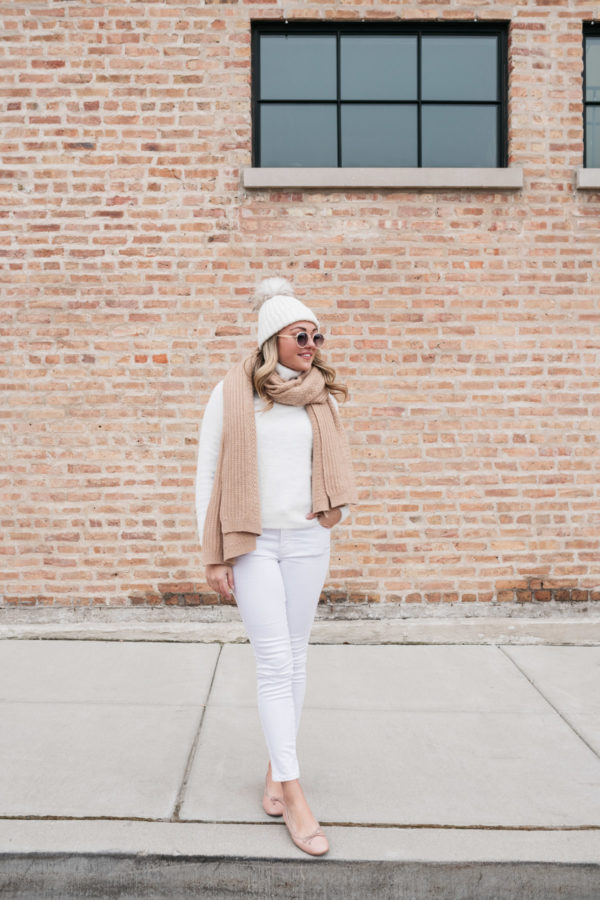 Chicago lifestyle blogger Bows & Sequins styling an all white winter outfit.