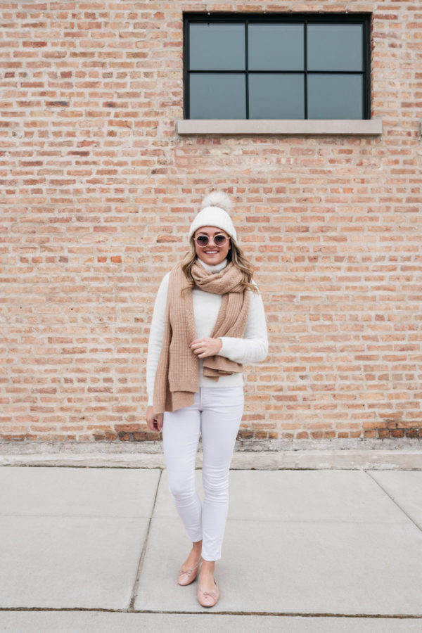 Chicago fashion blogger wearing white Old Navy Rockstar Jeans.
