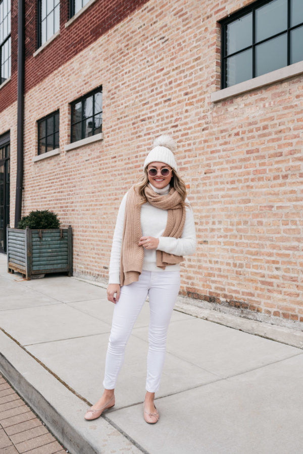 Chicago blogger wearing a pair of Margaux ballet flats.